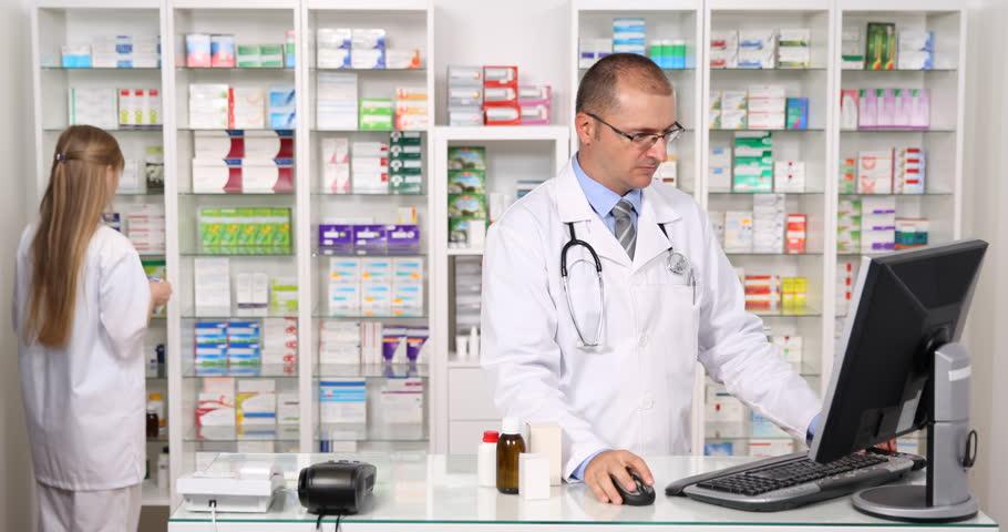 ラフィスリッチセラムは薬局・ドラッグストアで売ってる?